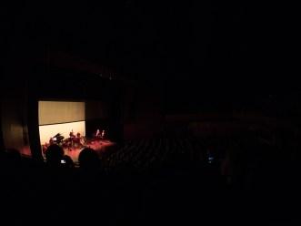 Mette Henriette und Ensemble + Publikum. Foto: Hufner