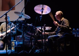 DeJohnette, Garrison, Coltrane. Foto: Petra Basche