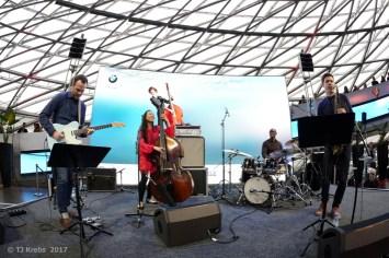 Linda Oh mit ihrem New Yorker Quartett. Foto: Thomas J. Krebs