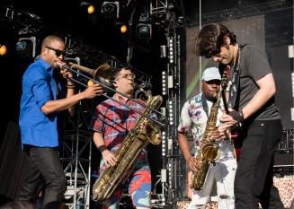 (v.li.) Trombone Shorty mit BK Jackson, Dan Oestreicher und Pete Murano . Foto: Susanne van Loon