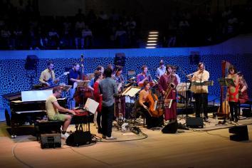 Andromeda Mega Express Orchestra in der Elbphilharmonie. Foto: Thomas J. Krebs