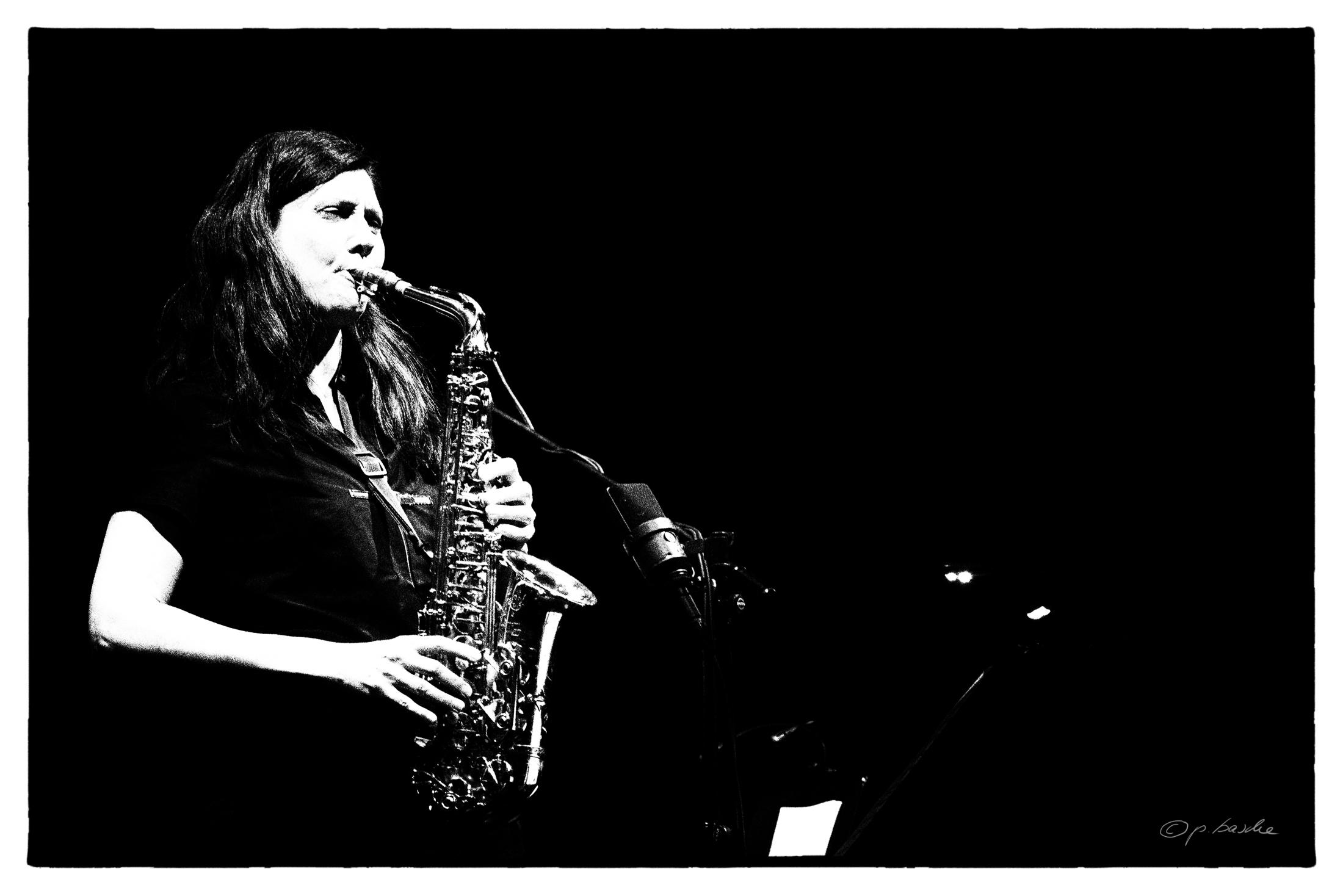 Angelika Niescier im Trio und Albert Mangelsdorff Preis der UdJ. Foto: Petra Basche