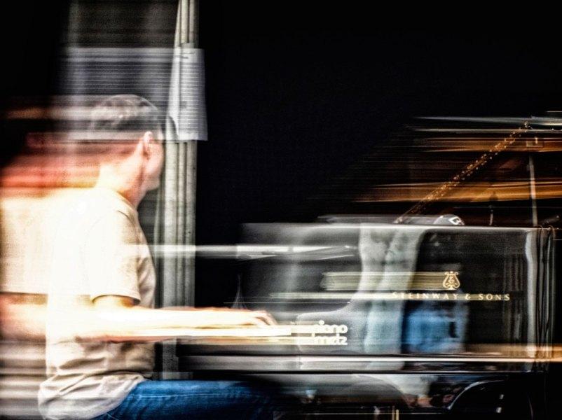 Lorenz Kellhuber am Klavier. Foto: Hufner