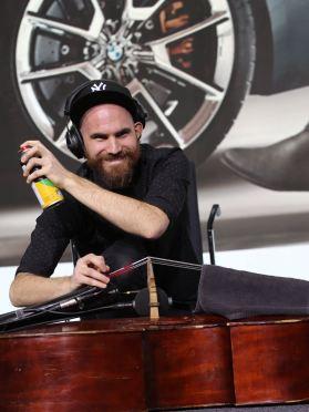 BMW Welt Jazz Award 2018Maximilian Hirning (b). Foto Ralf Dombrowski