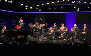 Charles Tolliver (tp), Claus Raible (p) & Orchester, Burghausen, Wackerhalle, Foto Ralf Dombrowski