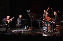 Ralph Towner, Pablo Held Trio, Stadttheater, Salzburg, Jazz & The City, Foto Ralf Dombrowski