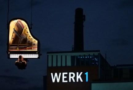 Alain Roche Vertikal Piano - Foto TJ Krebs