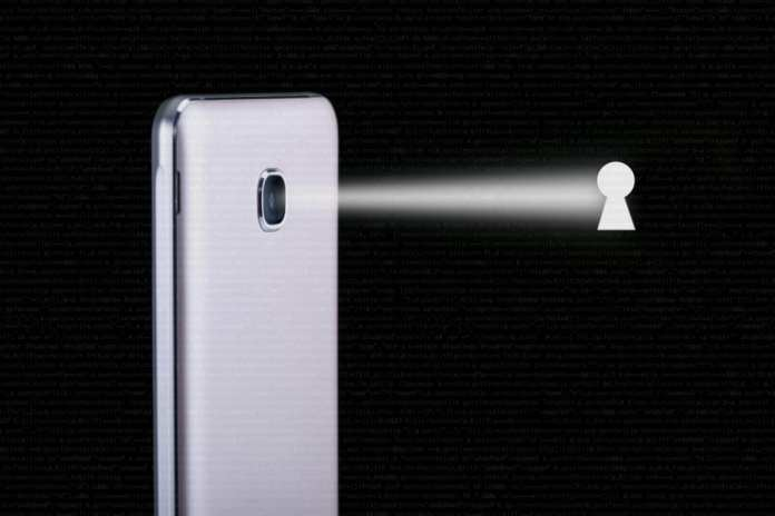 Google confirms camera flaw on Android phones