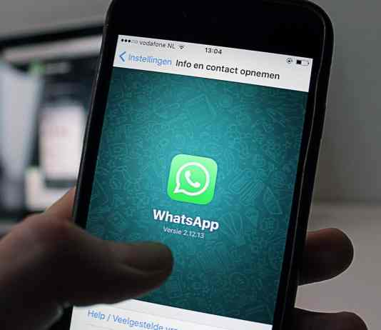 WhatsApp bans users in groups with controversial names