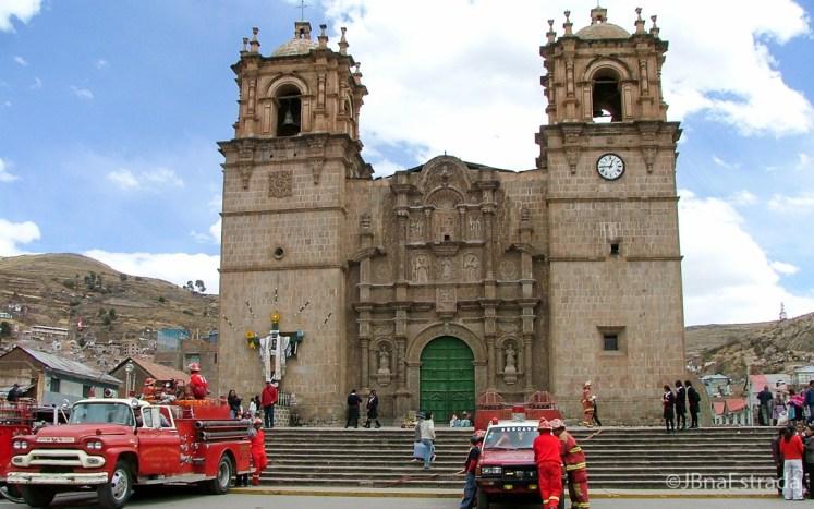 Peru - Puno - Plaza de Armas - Catedral