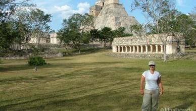 Mexico - Uxmal - El Conjunto del Dios Pajaro e Templo del Adivino