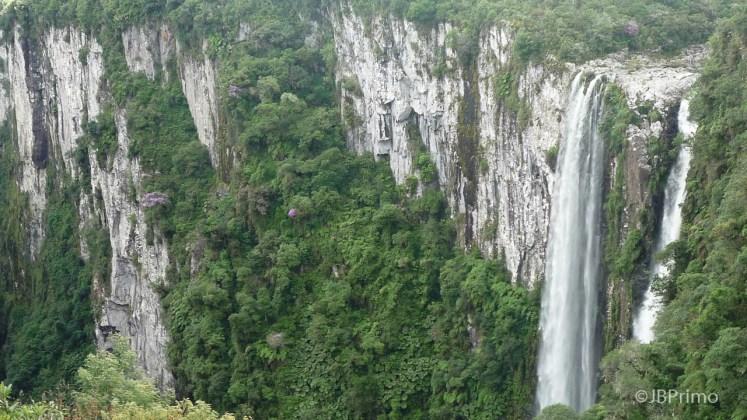 Brasil - Rio Grande do Sul - Cambara do Sul - PN dos Aparados da Serra - Canion do Itaimbezinho - Cascata das Andorinhas
