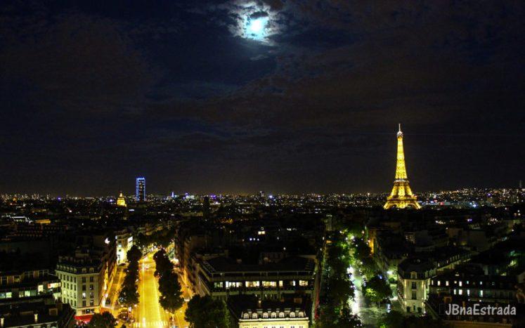 Franca - Paris - Arco do Triunfo - Vista Torre Eiffel