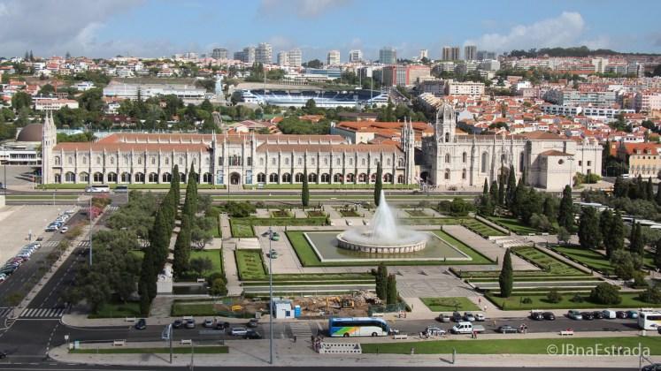 Portugal - Lisboa - Praca do Imperio e Mosteiro dos Jeronimos