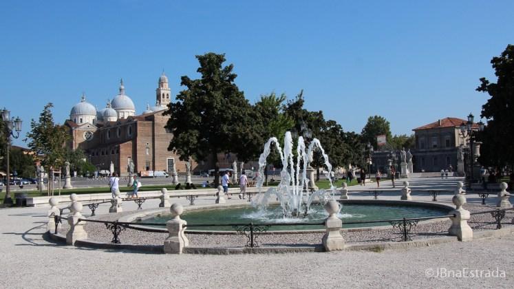 Italia - Padua - Prato della Valle - Basilica de Santa Justina