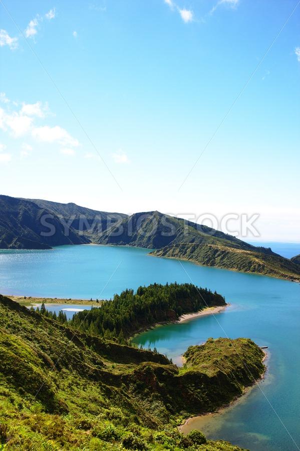 Blue green lake ocean island - Jan Brons Stock Images