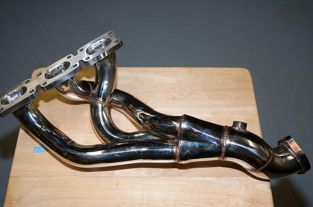 exhaust manifold vs headers breakdown