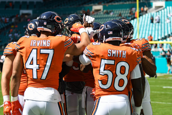 Chicago linebackers huddle up pre-game