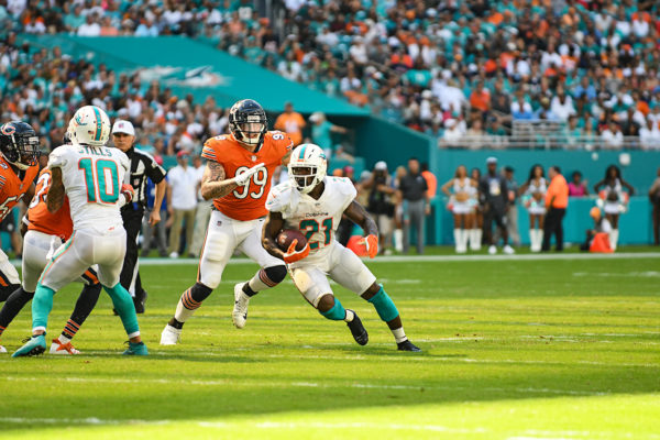 Miami Dolphins running back Frank Gore (21)