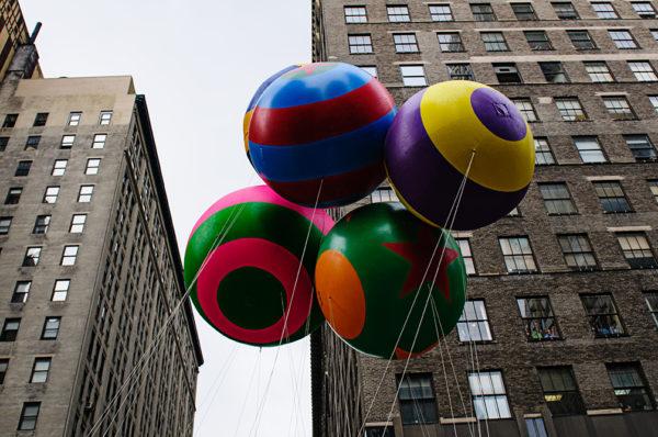 macys thanksgiving day parade holiday balloons