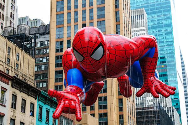 Spiderman balloon macys thanksgiving day parade