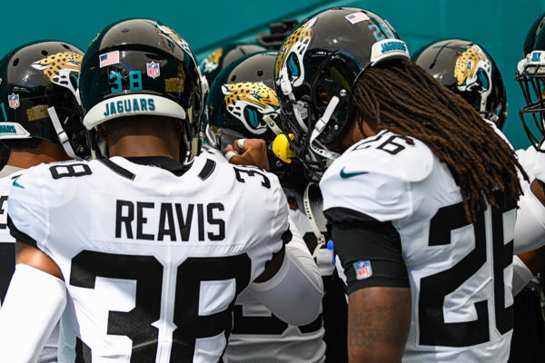 Jacksonville Jaguars secondary huddles