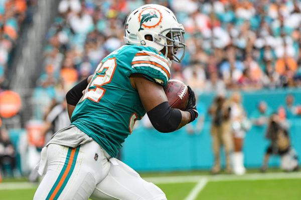 Miami Dolphins running back Kenyan Drake (32) returns a kick off