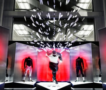 Nike Superbowl XL. Designed and Produced by Tangram Int. and Nike. Installation and rigging by JCDP