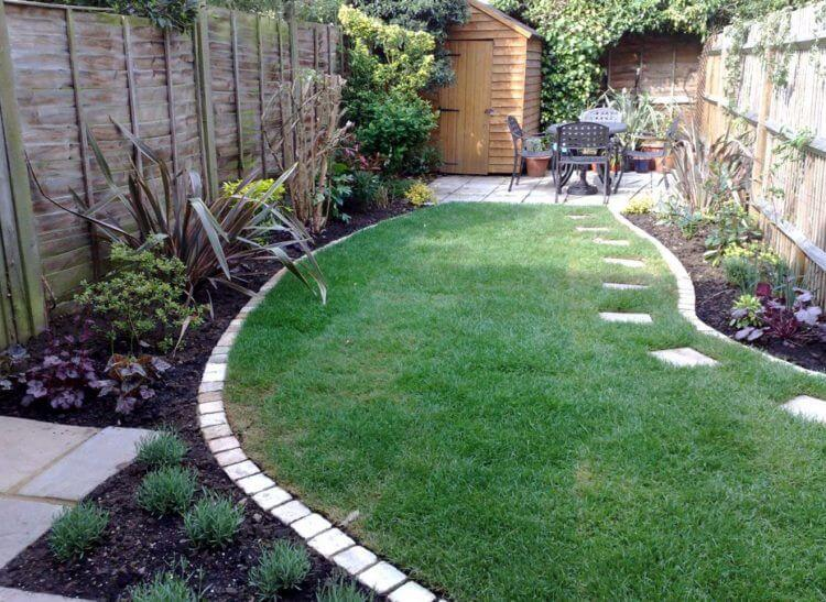 Small Yard Landscaping - 9 Landscaping Ideas for a small yard on Small Yard Landscaping Ideas id=50871