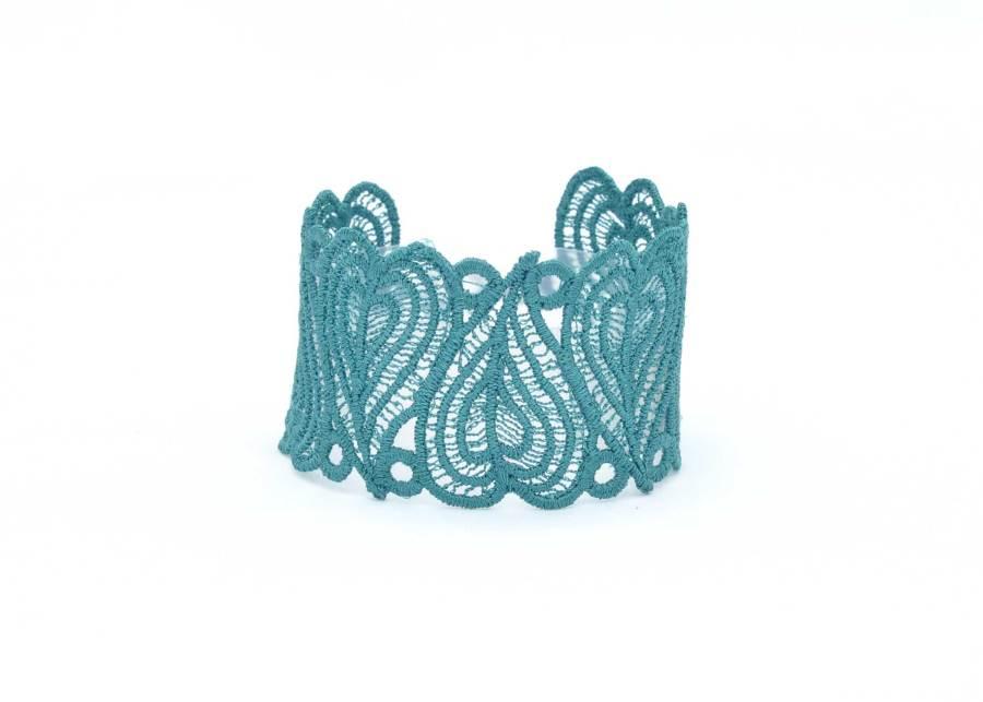 Lace Cuff Moroccan Heart in Emerald