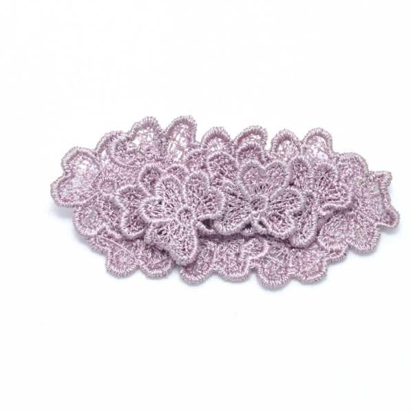 Oval 3D Trefoil lace brooch in grey lilac