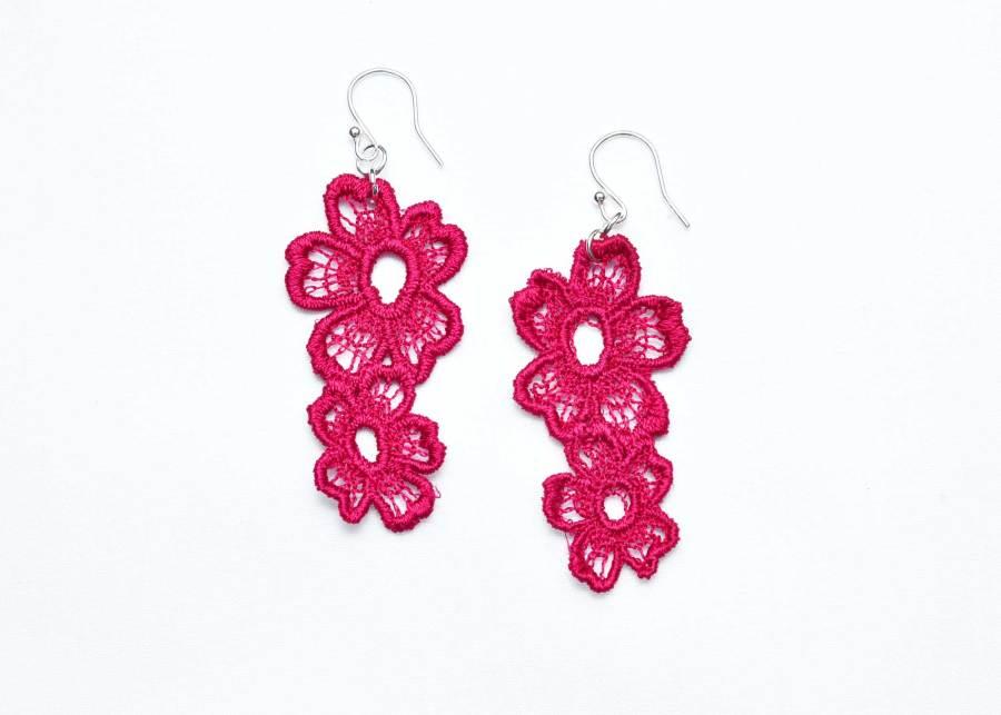 Lace Earring Daisy Dreamer in Raspberry Red