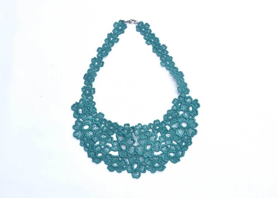 Daisy Dreamer Lace Necklace in Emerald