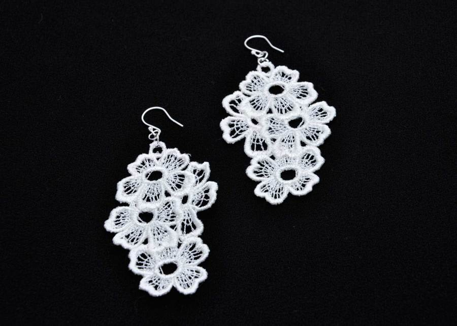 Large Daisy Dreamer Lace Earring in soft white