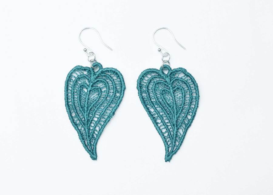 Moroccan Heart lace earrings in emerald