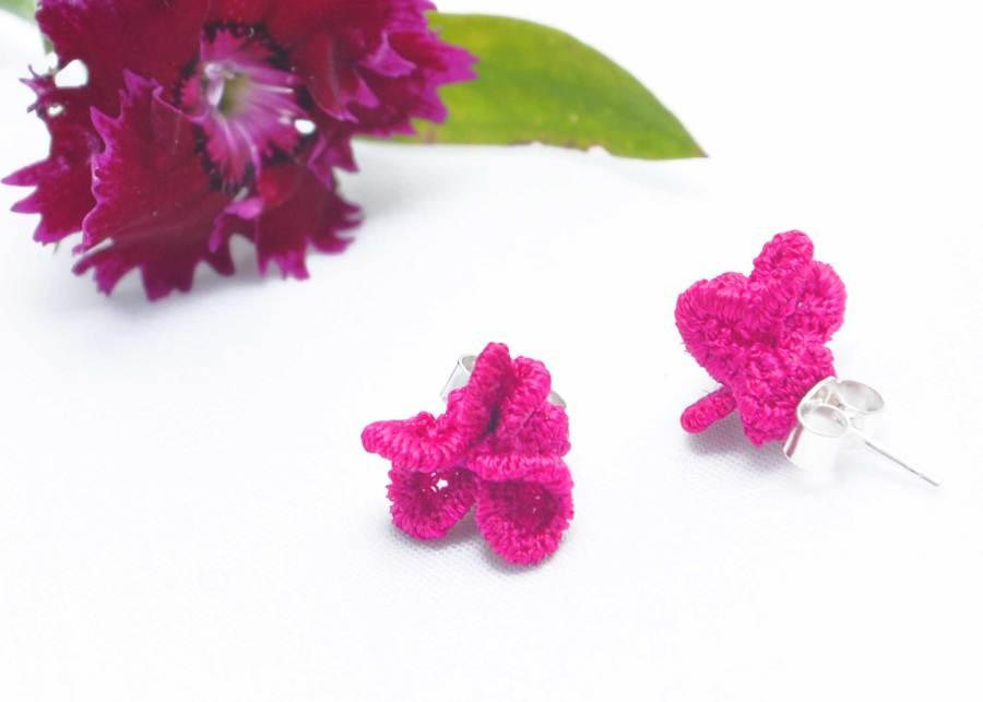 Tiny ruffled lace earrings in clematis