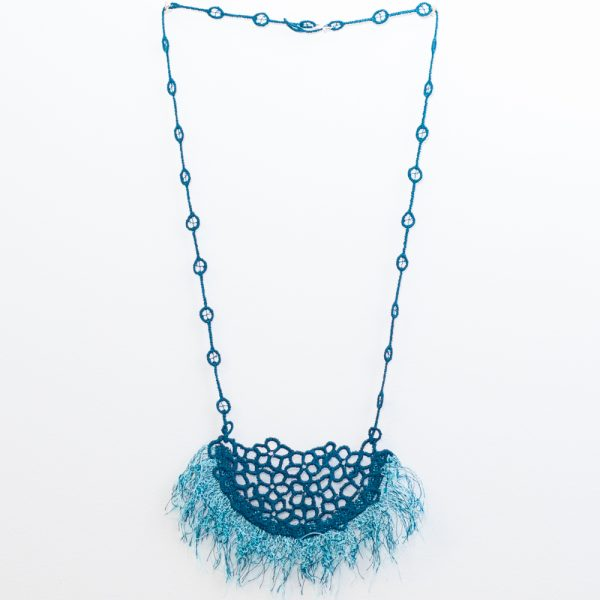 Fringe lace necklace in peacock