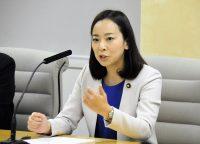 2019年参院選東京選挙区候補として記者会見する吉良氏=13日、都庁