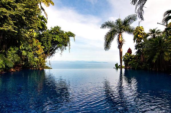 villa-caletas-infinity-pool
