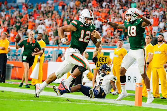 Malik Rosier rushes for a touchdown