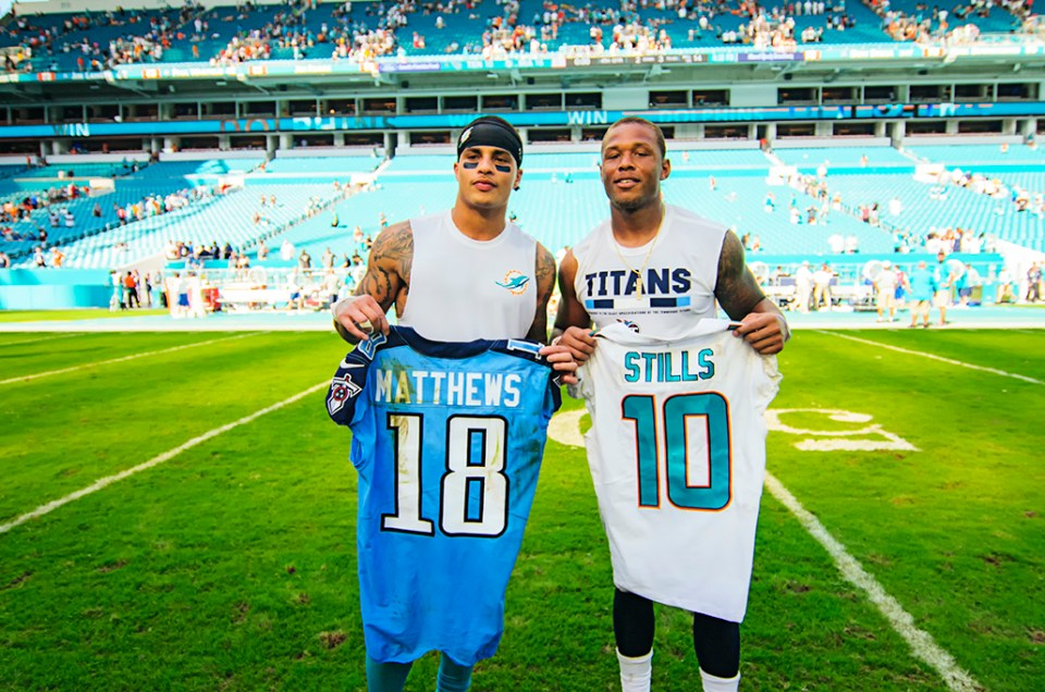 Miami Dolphins vs. Tennessee Titans – NFL Game Photos