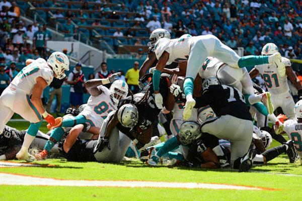 Oakland Raiders running back Marshawn Lynch (24) touchdown