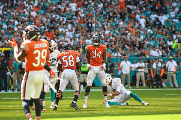 Chicago Bears outside linebacker Leonard Floyd (94) celebrates a sack