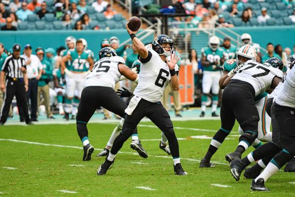 Jacksonville Jaguars quarterback Cody Kessler (6) throws a pass