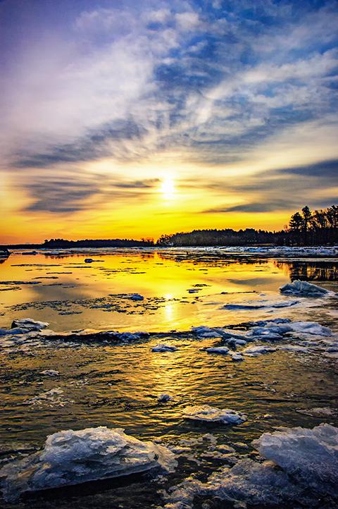 Winter sunrise over the Merrimack River
