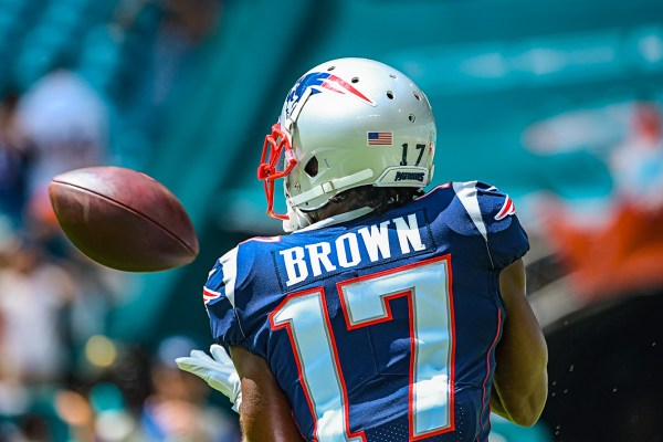 New England Patriots wide receiver Antonio Brown #17