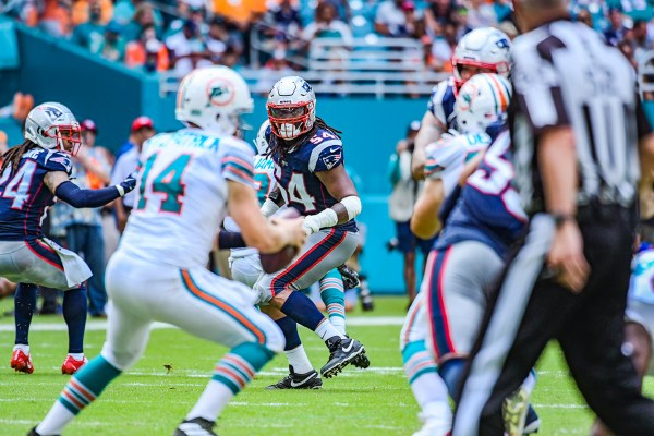 New England Patriots outside linebacker Dont'a Hightower #54 spies on the qb | New England Patriots vs. Miami Dolphins | September 15, 2019 | Hard Rock Stadium