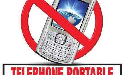 Pourquoi l'utilisation des téléphones portables est-elle interdite dans les stations-service ?