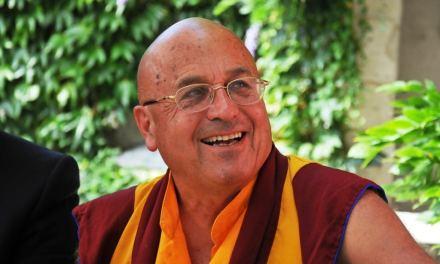 La psychologie positive ne consiste pas à « positiver » par Matthieu Ricard Moine bouddhiste, photographe et auteur