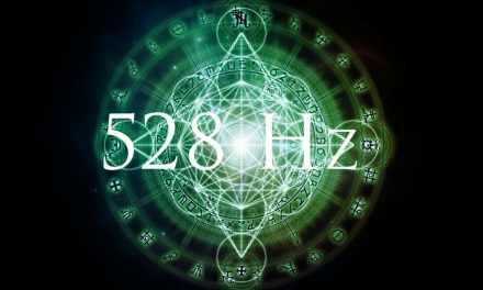 L'écoute de cette vidéo nous rapproche étroitement des ressentis de la fréquence accordée à 528 htz (fréquence d'amour et de guérison) .